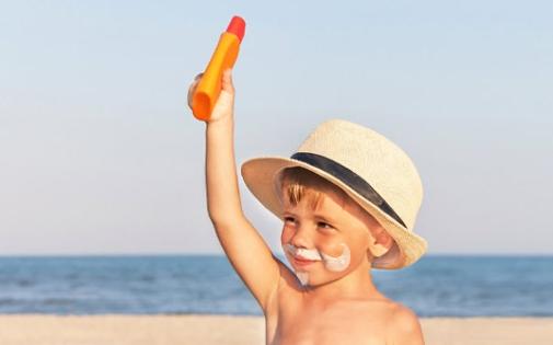 Çocuklar için Güneşten Korunma ve Kremler